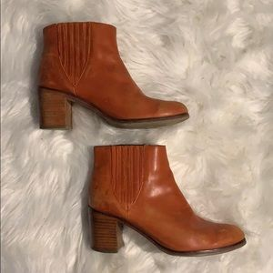 Wolverine orange leather boots